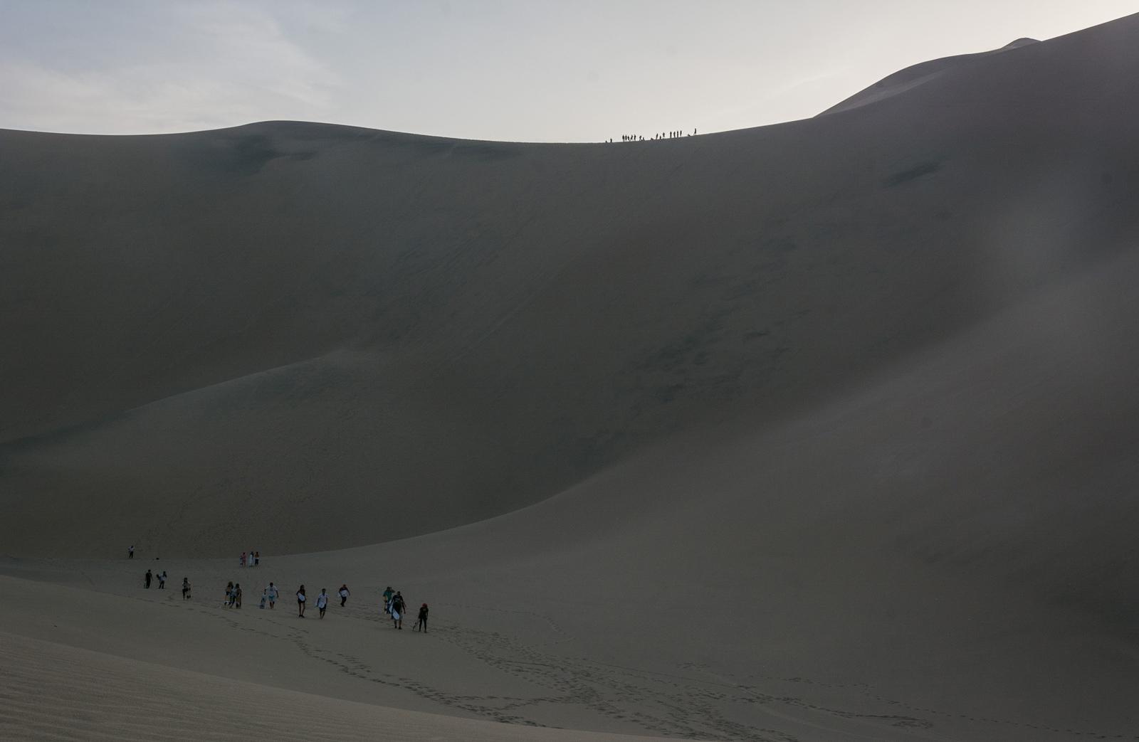 huacachina ica desert buggy sandboard perou