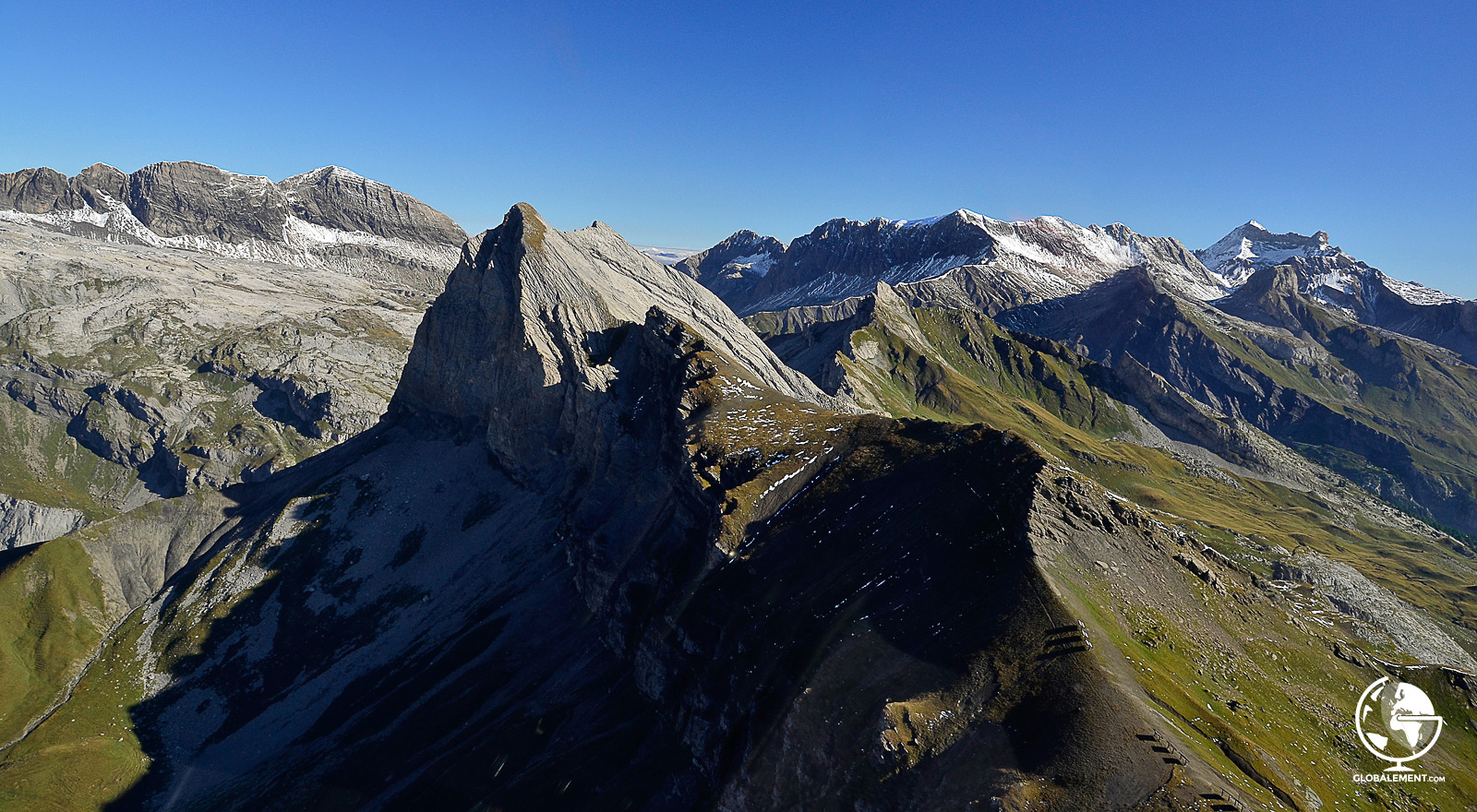 vol-helicoptere-alpes-suisses